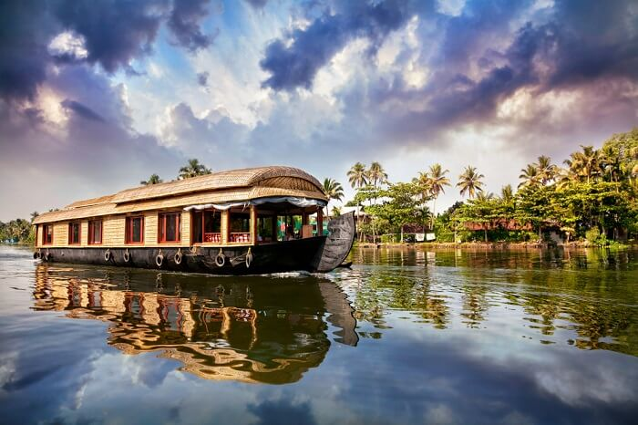 Houseboats-in-Alleppey